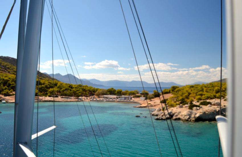 yacht-charter-perdika